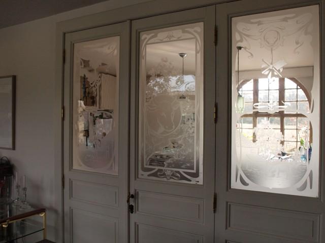 geetste ramen in een deur