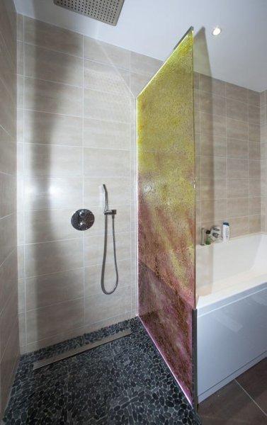 edelglas-badkamerwand-mosaic-glas