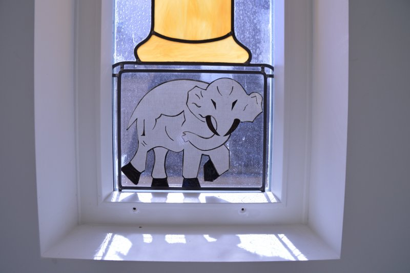 naar gevelsteen olifant