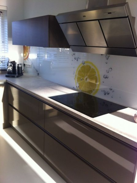 edelglas-keukenachterwand-van-glas-citrus