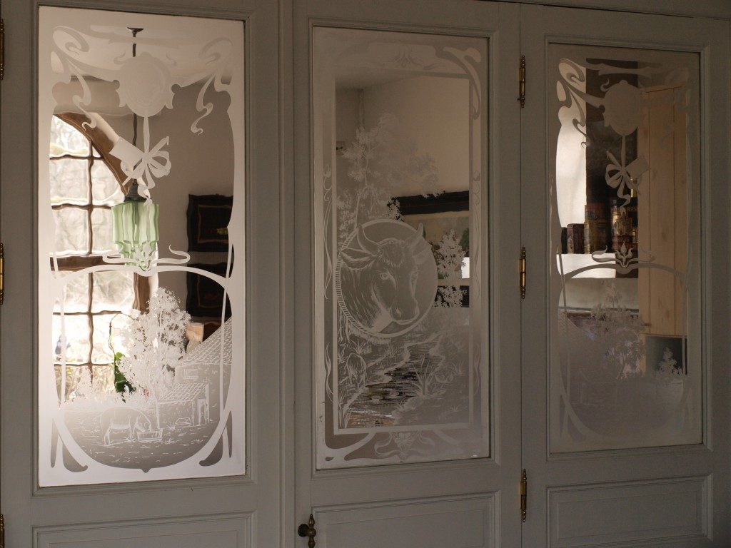 raam uit oude slagerij binnendeur met glas