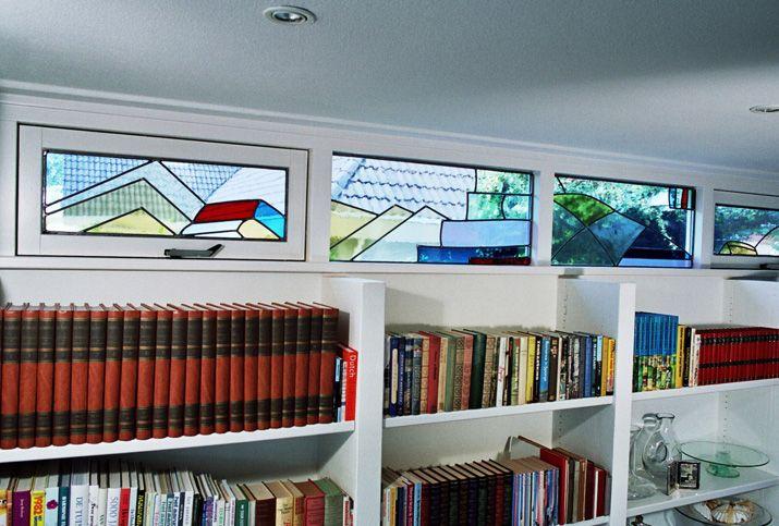 glas in lood boekenraam
