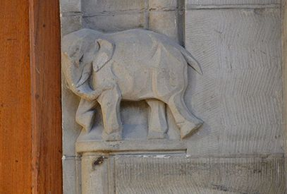 rokin amsterdam gevelsteen olifant