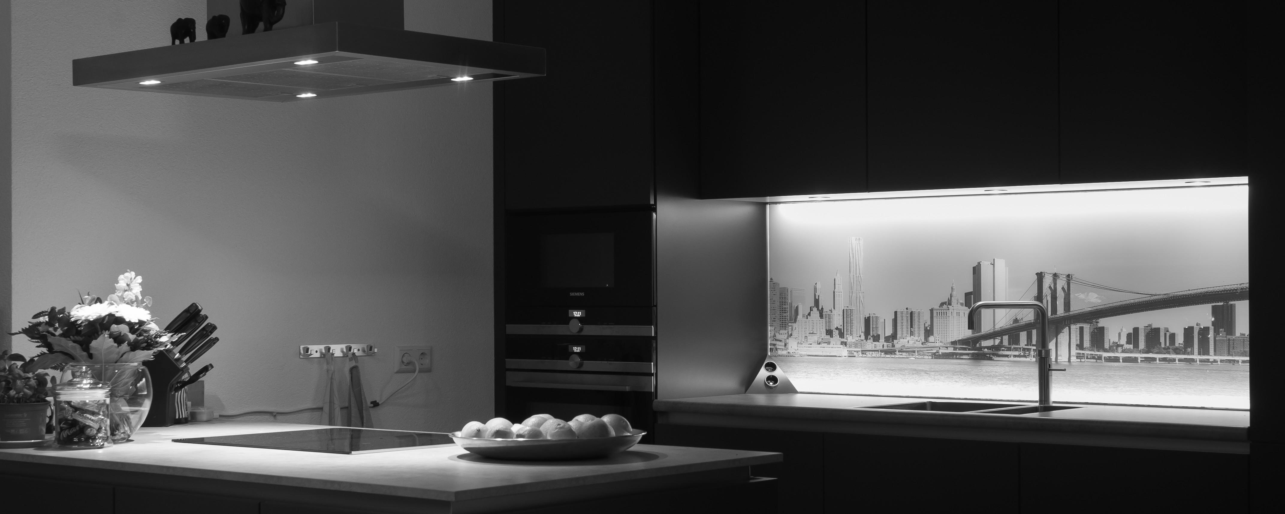 Nieuwe achterwand keuken glasatelier edelglas for Keuken met glas