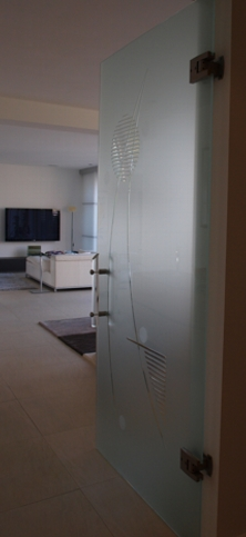 huizen-interieur-glazen deur