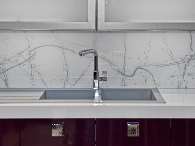 Spatscherm Keuken Glas : Achterwand keuken edelglas glazen achterwanden keuken op maat